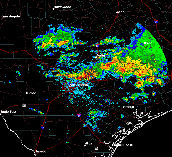 Radar Image for Severe Thunderstorms near San Marcos, TX at 4/11/2017 1:04 PM CDT