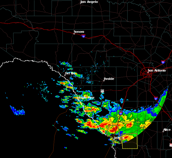 Radar Image for Severe Thunderstorms near Laredo Ranchettes, TX at 4/11/2017 6:59 PM CDT