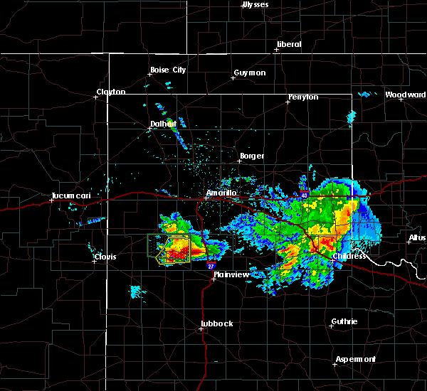 Radar Image for Severe Thunderstorms near Dimmitt, TX at 4/14/2017 10:18 PM CDT