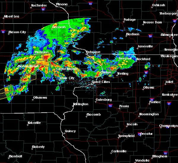 Radar Image for Severe Thunderstorms near Rowley, IA at 4/15/2017 7:51 PM CDT