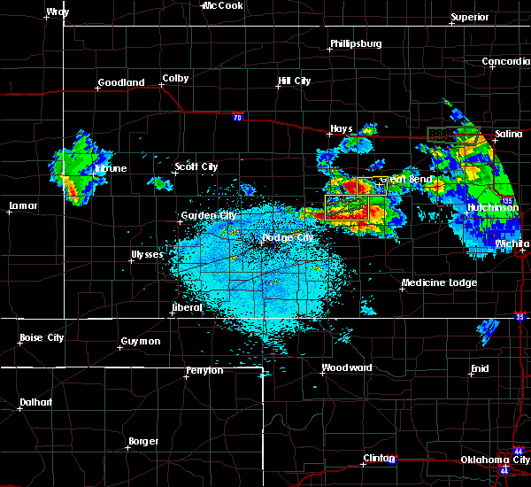 Radar Image for Severe Thunderstorms near Great Bend, KS at 4/15/2017 10:07 PM CDT
