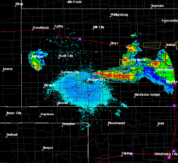 Radar Image for Severe Thunderstorms near Great Bend, KS at 4/15/2017 10:53 PM CDT
