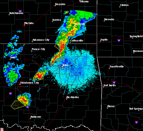 Radar Image for Severe Thunderstorms near Skiatook, OK at 4/25/2017 8:45 PM CDT