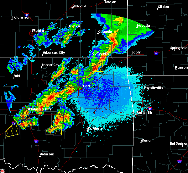 Radar Image for Severe Thunderstorms near New Alluwe, OK at 4/25/2017 10:07 PM CDT