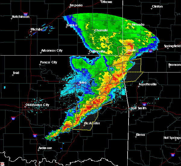 Radar Image for Severe Thunderstorms near Webbers Falls, OK at 4/26/2017 12:34 AM CDT