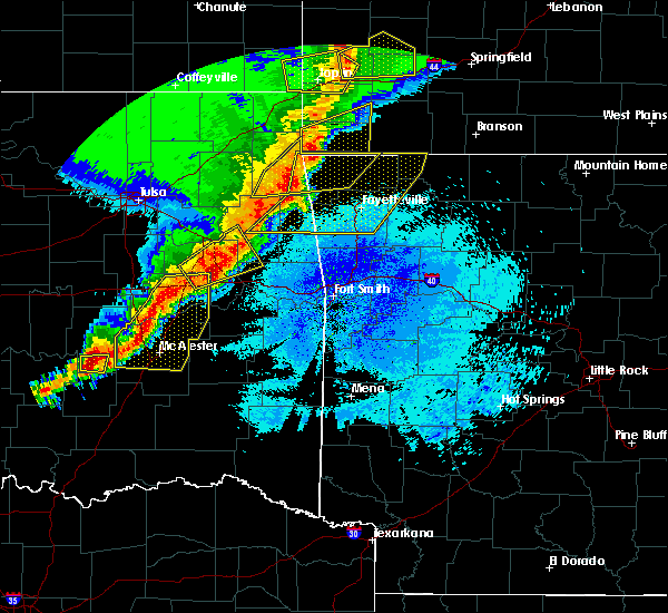 Radar Image for Severe Thunderstorms near Tahlequah, OK at 4/26/2017 12:44 AM CDT