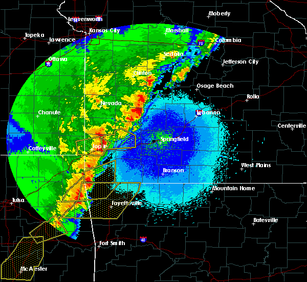 Radar Image for Severe Thunderstorms near Noel, MO at 4/26/2017 12:44 AM CDT
