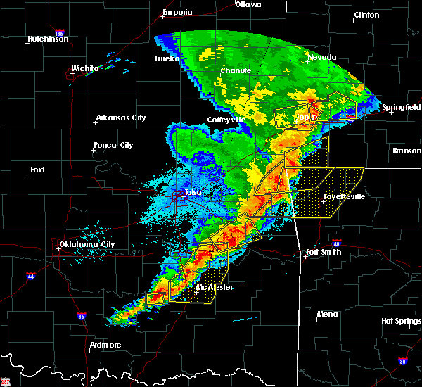 Radar Image for Severe Thunderstorms near Checotah, OK at 4/26/2017 12:44 AM CDT