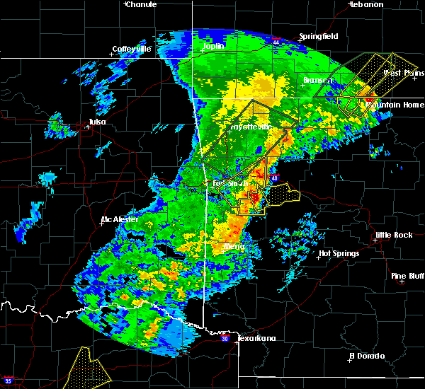 Radar Image for Severe Thunderstorms near Ratcliff, AR at 4/26/2017 9:16 AM CDT