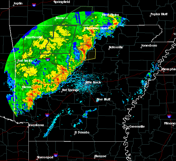 Radar Image for Severe Thunderstorms near Clinton, AR at 4/26/2017 11:18 AM CDT