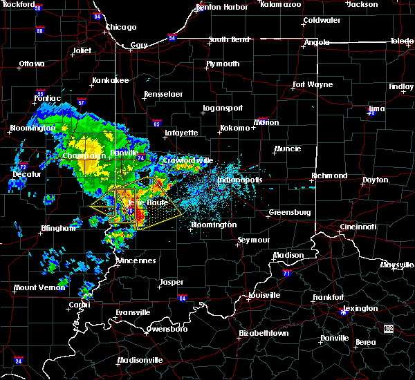 Radar Image for Severe Thunderstorms near Tecumseh, IN at 4/26/2017 6:27 PM EDT