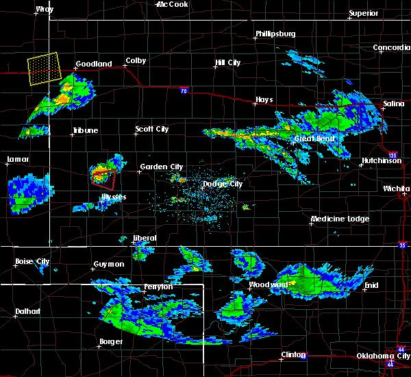 Radar Image for Severe Thunderstorms near Lakin, KS at 4/27/2017 6:17 PM CDT