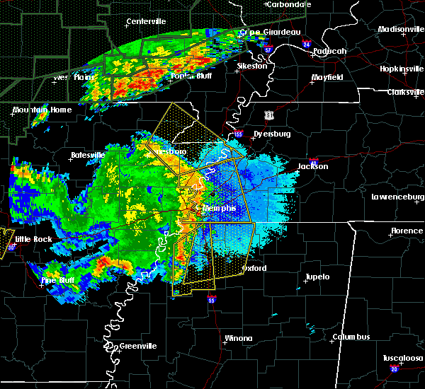 Radar Image for Severe Thunderstorms near Senatobia, MS at 4/29/2017 8:27 PM CDT