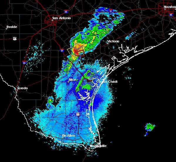 Radar Image for Severe Thunderstorms near Pettus, TX at 4/29/2017 10:46 PM CDT