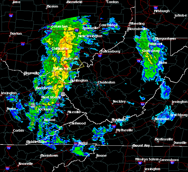 Radar Image for Severe Thunderstorms near Gallipolis, OH at 5/1/2017 11:31 AM EDT