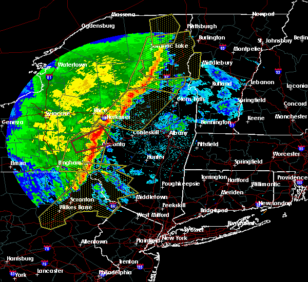 Radar Image for Severe Thunderstorms near Gloversville, NY at 5/1/2017 8:36 PM EDT