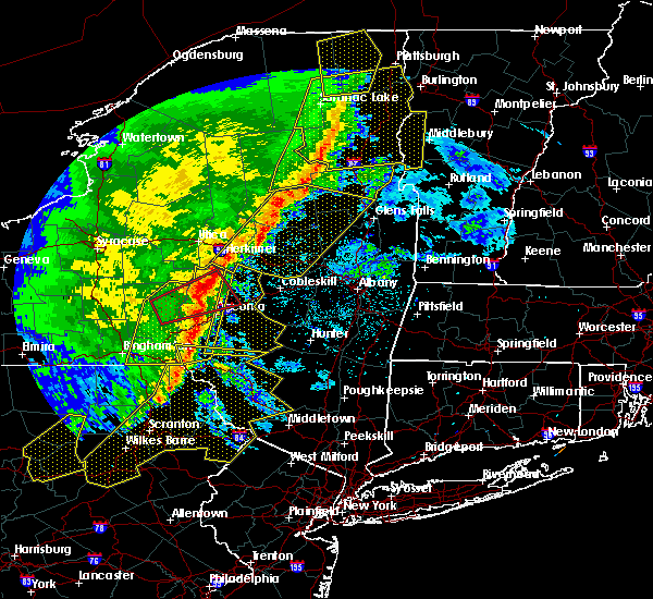 Radar Image for Severe Thunderstorms near Gloversville, NY at 5/1/2017 8:43 PM EDT