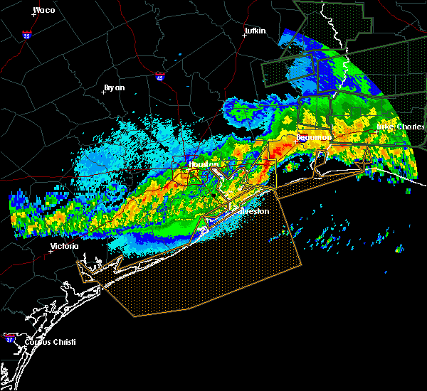 Radar Image for Severe Thunderstorms near Bolivar Peninsula, TX at 5/3/2017 9:19 PM CDT