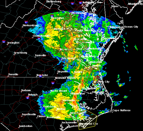 Radar Image for Severe Thunderstorms near Chesapeake, VA at 5/5/2017 8:14 AM EDT