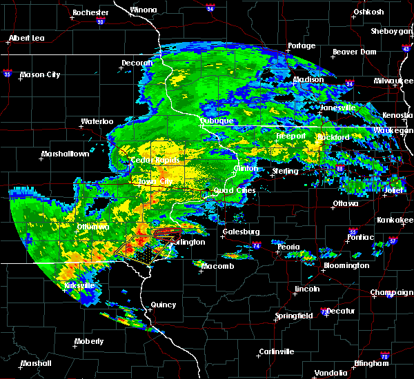 Radar Image for Severe Thunderstorms near Mediapolis, IA at 5/10/2017 4:01 PM CDT