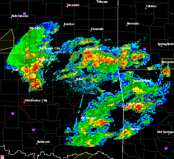 Radar Image for Severe Thunderstorms near Fairland, OK at 5/11/2017 3:10 PM CDT
