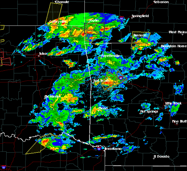 Radar Image for Severe Thunderstorms near Ratcliff, AR at 5/11/2017 3:19 PM CDT