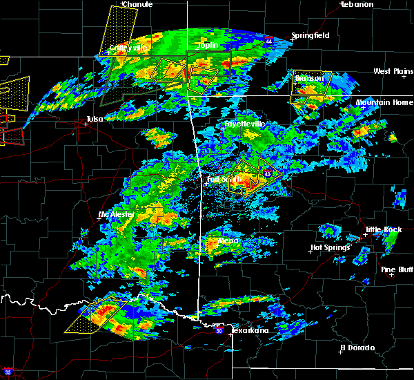 Radar Image for Severe Thunderstorms near Ratcliff, AR at 5/11/2017 3:29 PM CDT