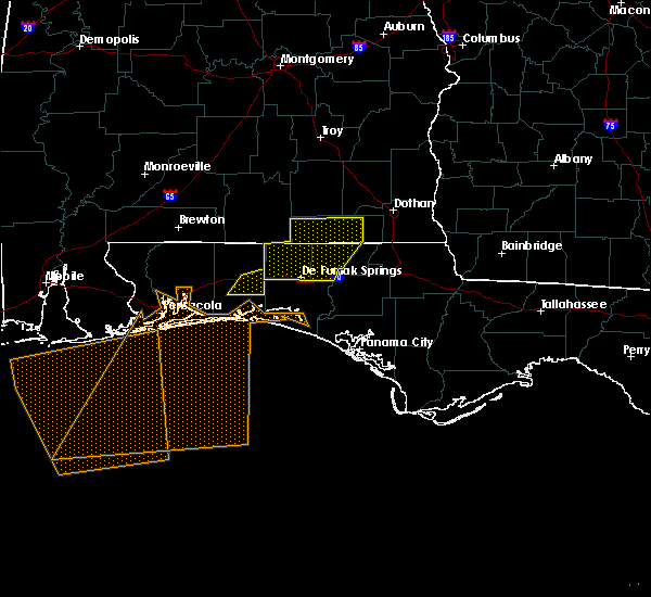 Radar Image for Severe Thunderstorms near Crestview, FL at 5/12/2017 3:57 PM CDT
