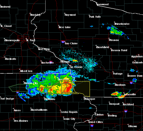 Radar Image for Severe Thunderstorms near Eastman, WI at 5/15/2017 7:40 PM CDT