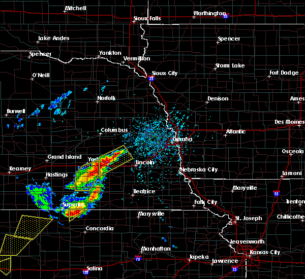 Radar Image for Severe Thunderstorms near Utica, NE at 5/16/2017 5:04 PM CDT