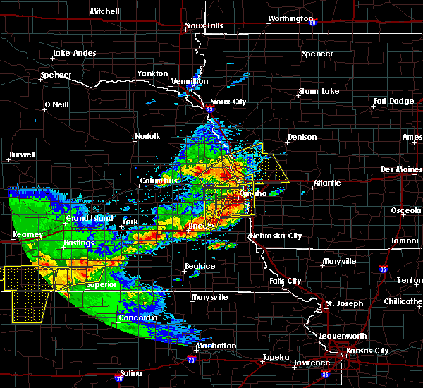 Radar Image for Severe Thunderstorms near Moorhead, IA at 5/16/2017 6:41 PM CDT