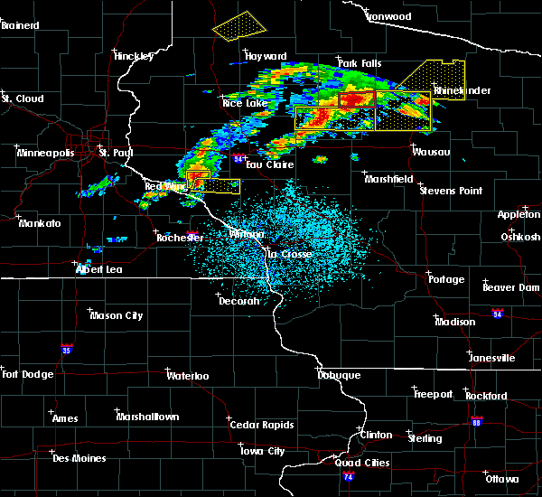 Radar Image for Severe Thunderstorms near Durand, WI at 5/16/2017 7:26 PM CDT