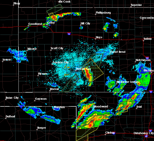 Radar Image for Severe Thunderstorms near Greensburg, KS at 5/16/2017 10:23 PM CDT