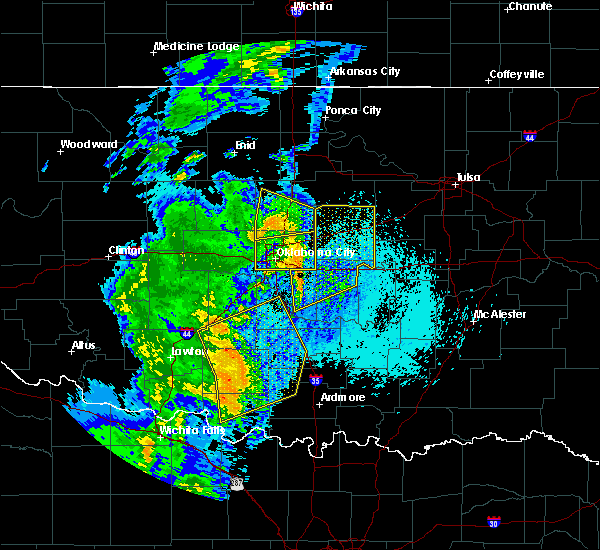 Radar Image for Severe Thunderstorms near Prague, OK at 5/17/2017 1:19 AM CDT