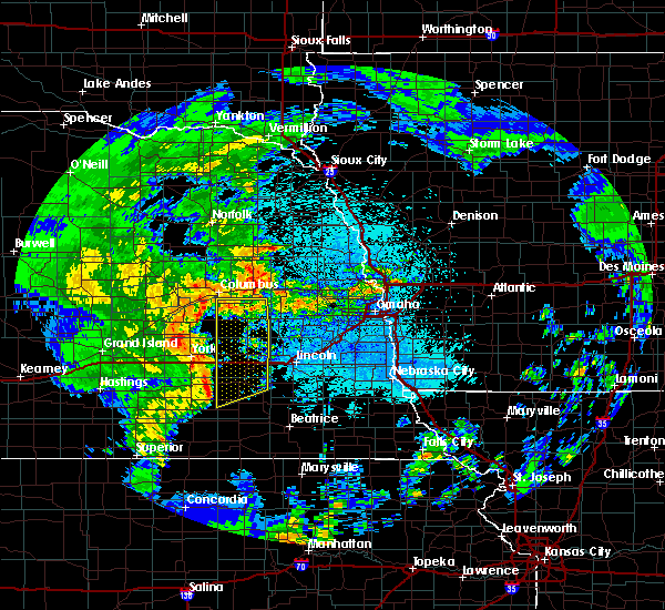 Radar Image for Severe Thunderstorms near Friend, NE at 5/17/2017 2:01 AM CDT