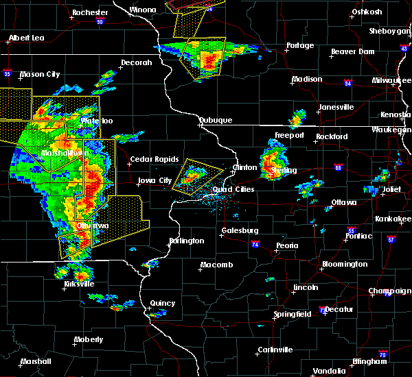 Radar Image for Severe Thunderstorms near Mount Union, IA at 5/17/2017 5:45 PM CDT