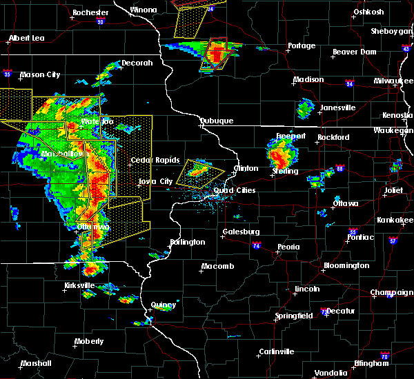 Radar Image for Severe Thunderstorms near Tiffin, IA at 5/17/2017 5:54 PM CDT