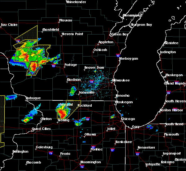 Radar Image for Severe Thunderstorms near Lake Summerset, IL at 5/17/2017 5:58 PM CDT