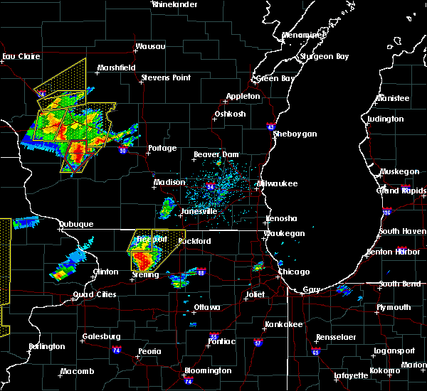 Radar Image for Severe Thunderstorms near German Valley, IL at 5/17/2017 6:01 PM CDT
