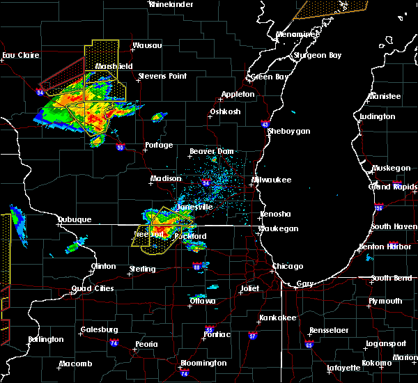 Radar Image for Severe Thunderstorms near German Valley, IL at 5/17/2017 6:27 PM CDT