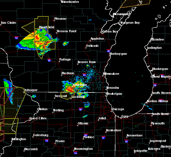 Radar Image for Severe Thunderstorms near Janesville, WI at 5/17/2017 6:40 PM CDT