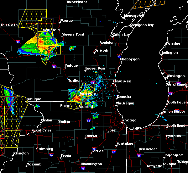 Radar Image for Severe Thunderstorms near Janesville, WI at 5/17/2017 6:43 PM CDT