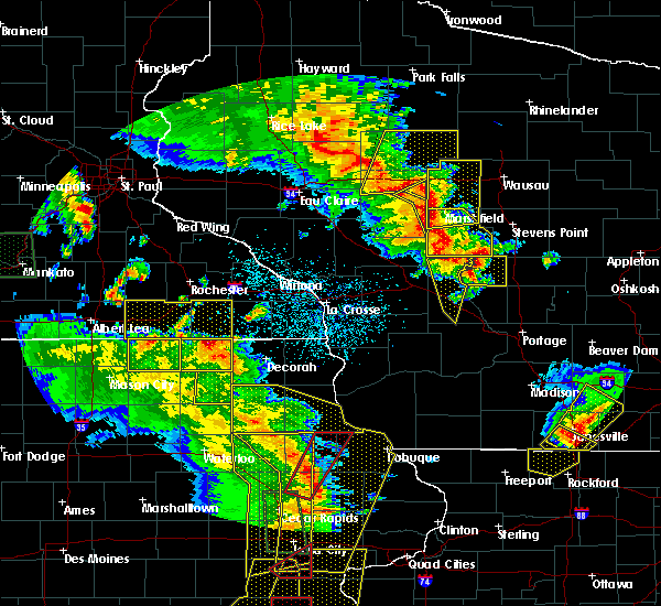 Radar Image for Severe Thunderstorms near Arpin, WI at 5/17/2017 6:44 PM CDT