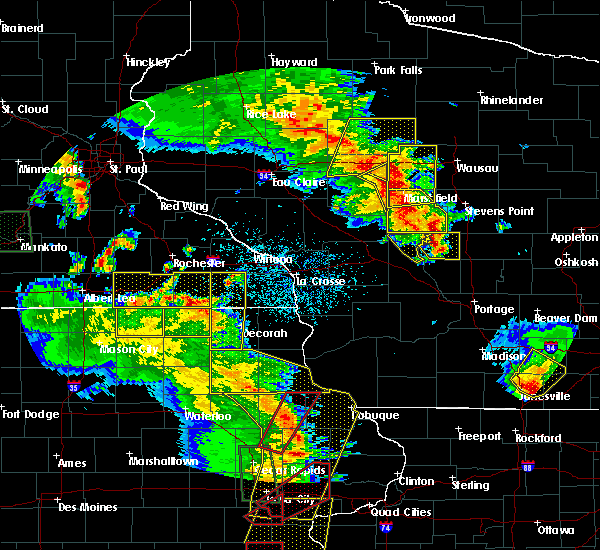 Radar Image for Severe Thunderstorms near Fountain, MN at 5/17/2017 6:54 PM CDT