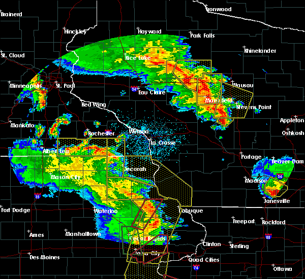 Radar Image for Severe Thunderstorms near De Soto, WI at 5/17/2017 7:04 PM CDT