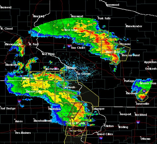 Radar Image for Severe Thunderstorms near Fountain, MN at 5/17/2017 7:04 PM CDT