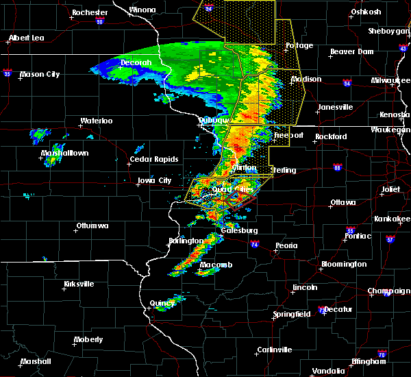 Radar Image for Severe Thunderstorms near Geneseo, IL at 5/17/2017 8:40 PM CDT