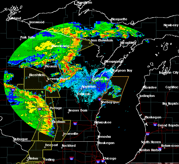 Radar Image for Severe Thunderstorms near Wisconsin Rapids, WI at 5/17/2017 8:57 PM CDT