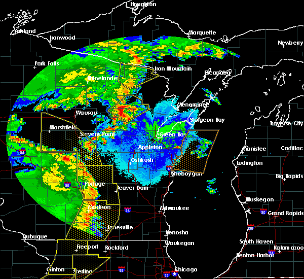 Radar Image for Severe Thunderstorms near Wisconsin Rapids, WI at 5/17/2017 9:12 PM CDT
