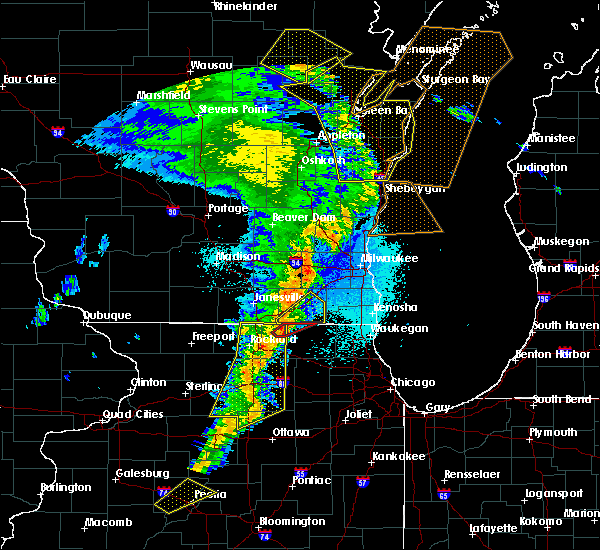 Radar Image for Severe Thunderstorms near Lake Geneva, WI at 5/17/2017 10:36 PM CDT
